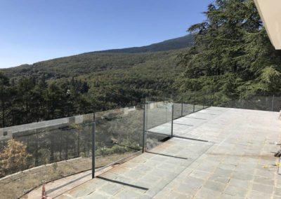 Barandilla con postes en hierro lacado - Mirasierra