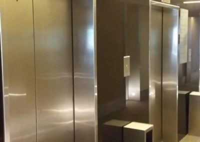 Forrado pared ascensores en vidrio RAL - Eurobuilding