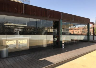 Cerramiento restaurante cortina de vidrio en RAL - Restaurante Martilota, Alcalá de Henares
