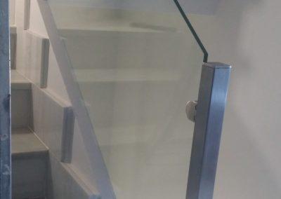 Barandilla con balaustres cuadrados
