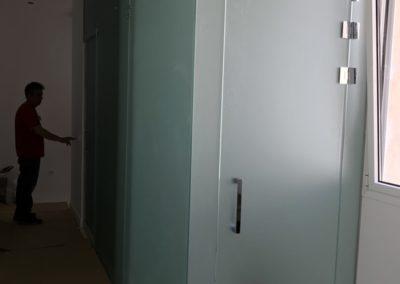 Cerramiento de cuarto de baño, ducha y aseo. Vidrio mate - Lista, Madrid