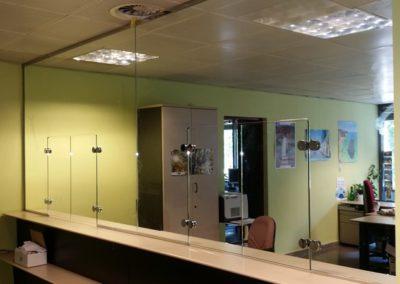 Mostrador vidrio templado - ONCE, Madrid