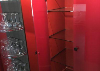 Despensa cocina en vidrio rojo - Ático calle serrano